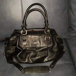 164f8582e1ee Coach handbag.  200  550. Coach satchel w shoulder strap